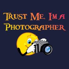 trust-me-i%m-a-photographer T-Shirt